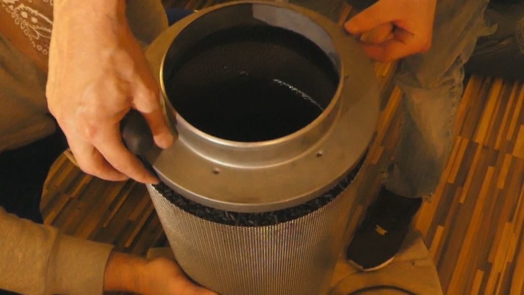 Aktivkohle filter erneuern